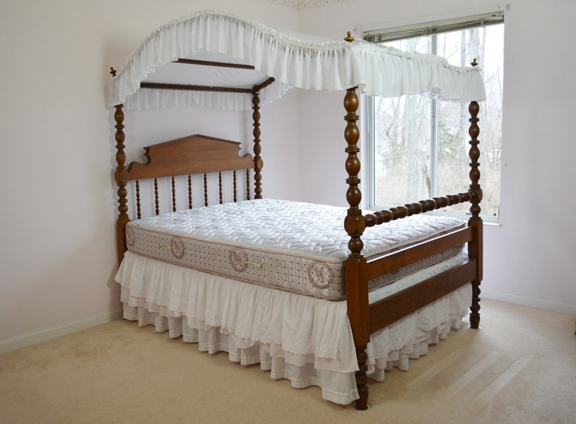 Antique Federal Style Pine 3/4 Canopy Bed Circa 1880s ... & Antique Federal Style Pine 3/4 Canopy Bed Circa 1880s : EBTH