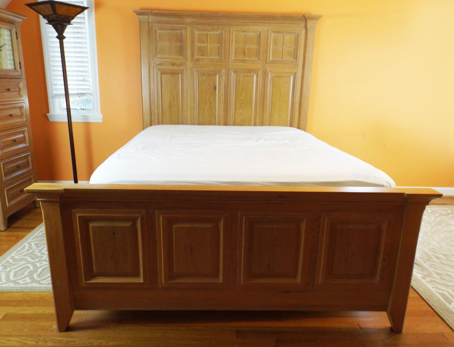 Thomasville American Revival Oak Bed Set Queen Size Ebth