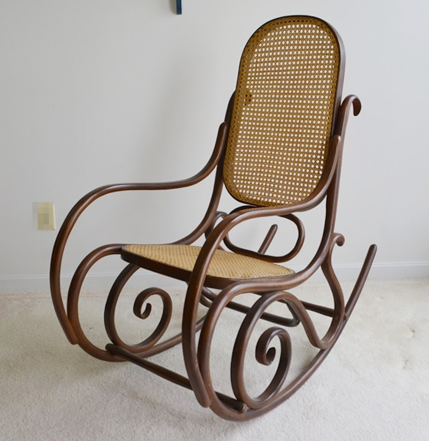 reproduction thonet bentwood rocking chair ebth. Black Bedroom Furniture Sets. Home Design Ideas