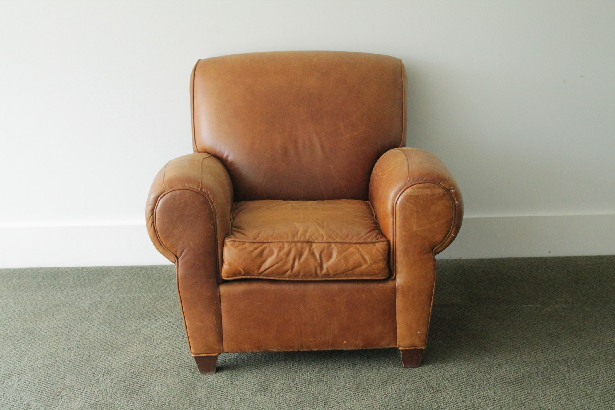 Leather Reclining Chair from Pottery Barn ... & Leather Reclining Chair from Pottery Barn : EBTH islam-shia.org