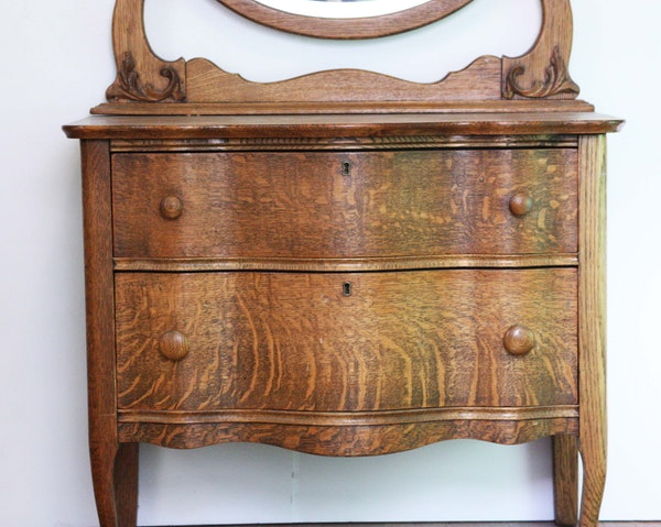 Antique Quarter Sawn Oak Dresser With Oval Mirror Ebth