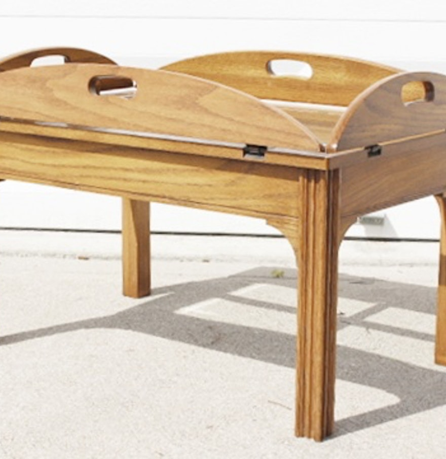 Oak Butler 39 S Coffee Table With Folding Sides And Glass Top Ebth