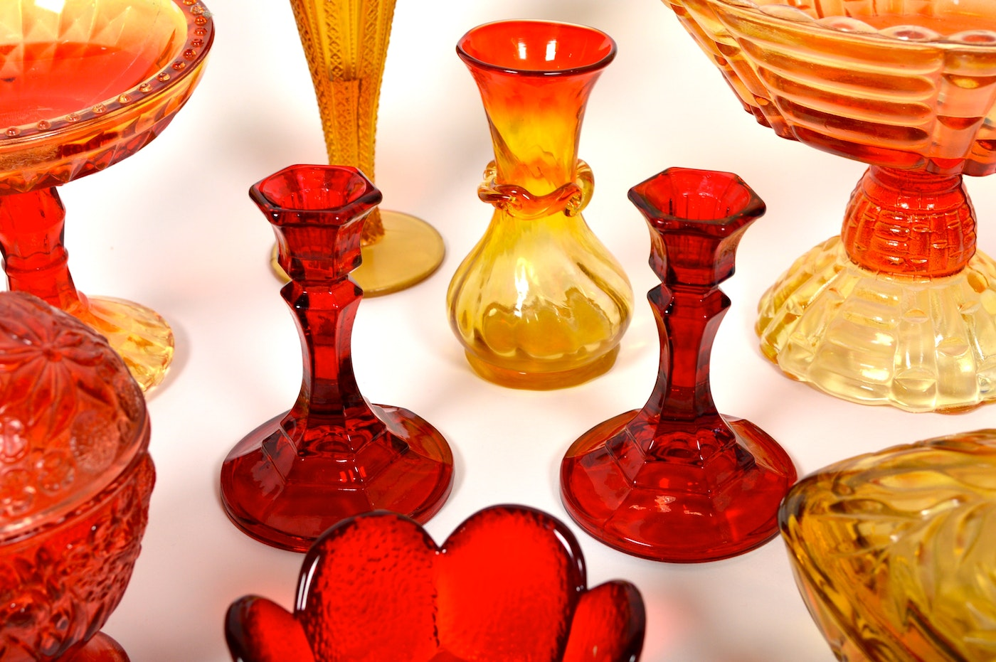 Assortment of Vintage Red, Green, and Yellow Glassware : EBTH