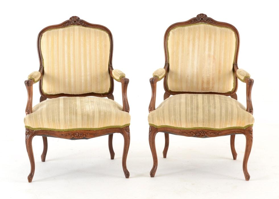 Etonnant Pair Of Louis XV Style Fauteuils