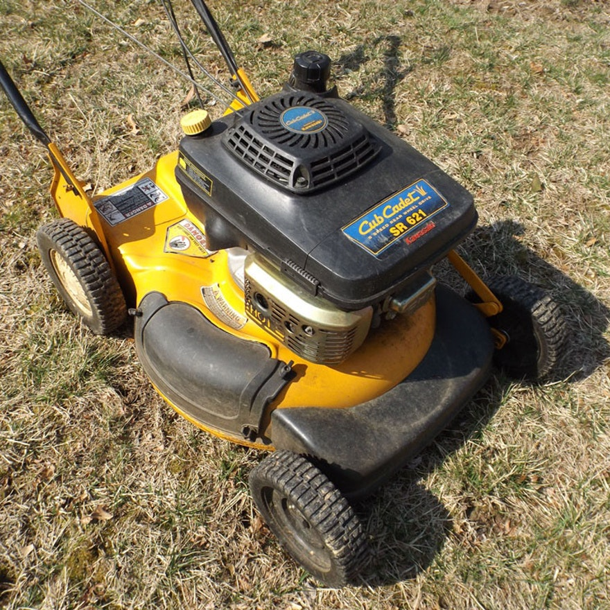 Cub Cadet Kawasaki Sr 621 6 Sd Self Propelled Lawn Mower