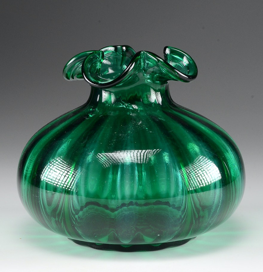 Emerald Green Art Glass Vase EBTH