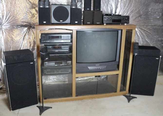 Technics And Pioneer Stereo Equipment With Cabinet ...