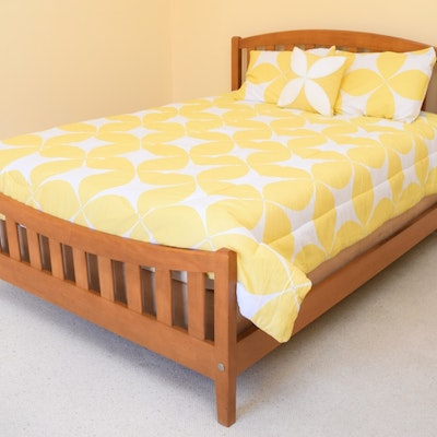 Vintage bed auction used beds and bedding for sale in lexington kentucky personal property - Ethan allen queen beds ...