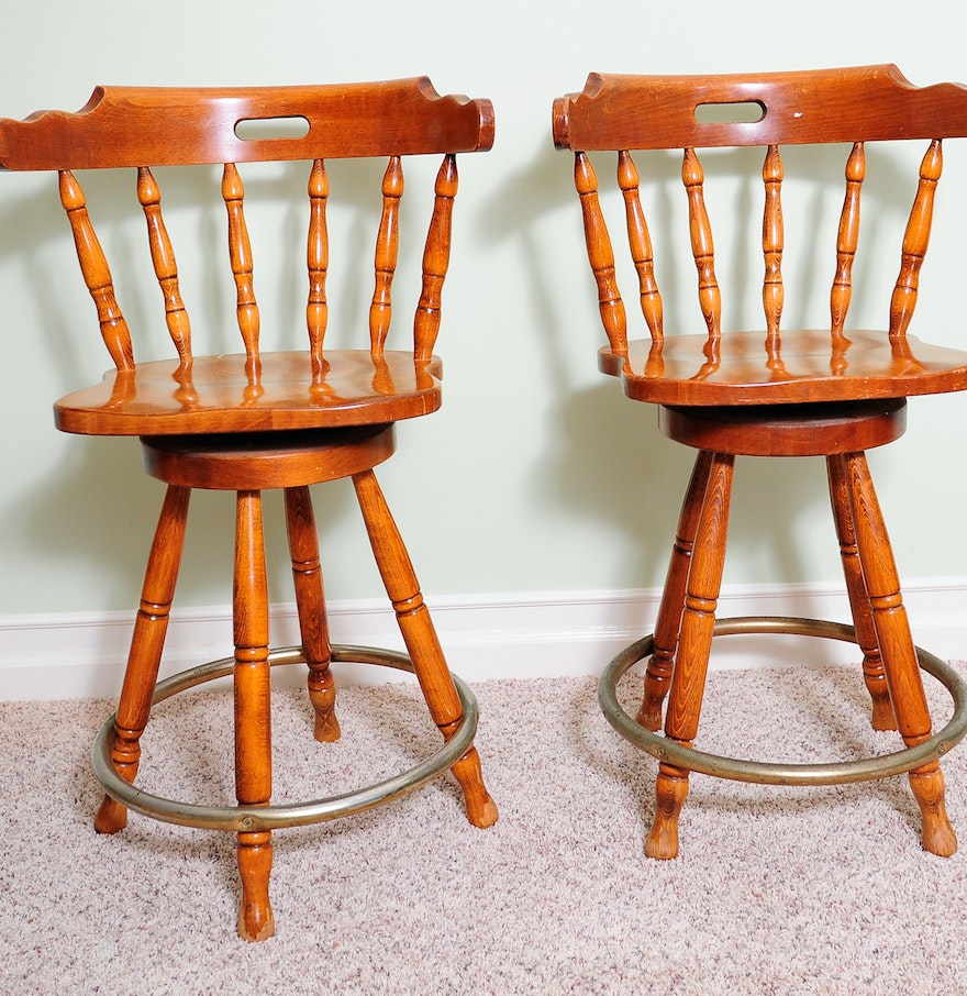 Pair of Vintage Swivel Oak Bar Stools : EBTH