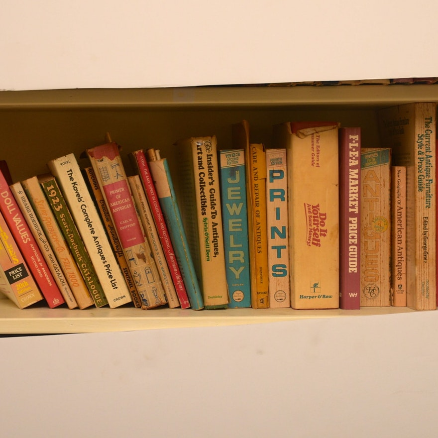 A Collection of Vintage Books : EBTH
