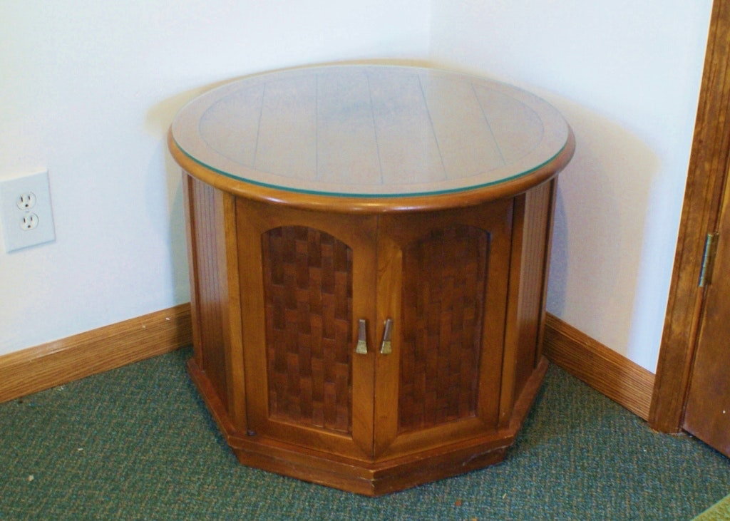 Vintage 1970s Round End Table ...