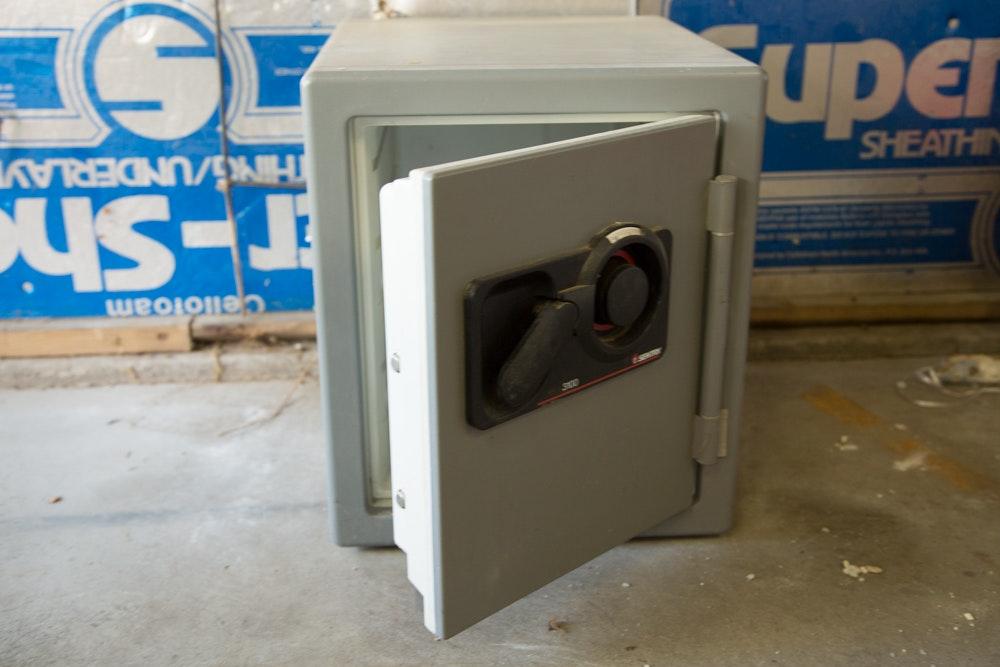 sentry 3100 fire safe ebth rh ebth com The Protector Safe D Posit Combination Sentry 3100