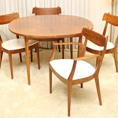 Mid Century Modern Dining Table And Chairs By Drexel