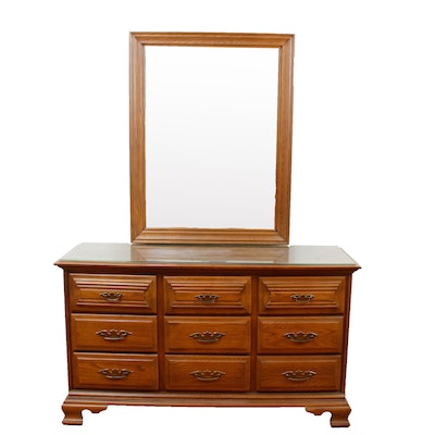Young Hinkle Oak Dresser With Mirror