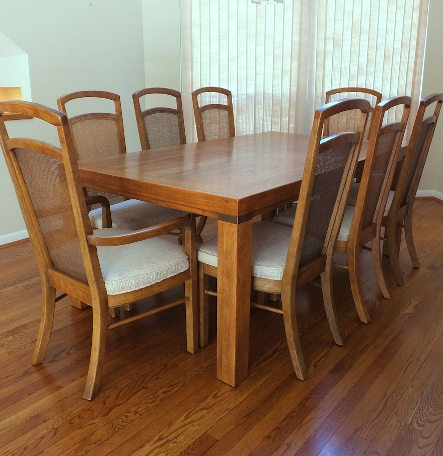 Drexel Heritage Woodbriar Dining Table And Eight
