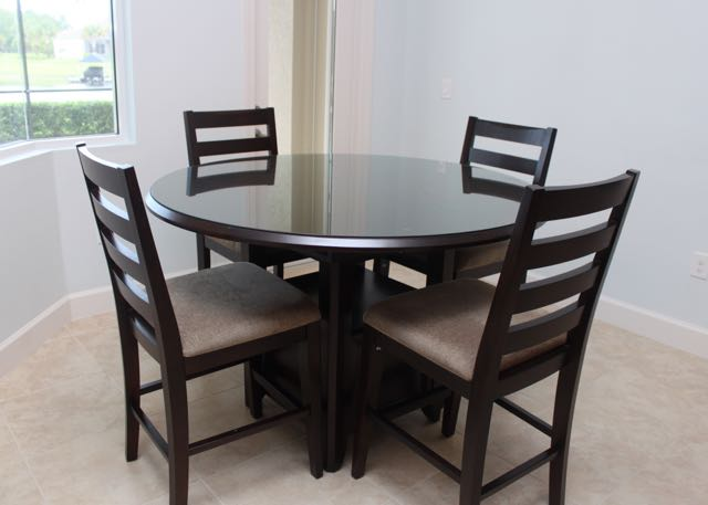 high top dining table Casana Round High Top Dining Table and Chairs : EBTH high top dining table