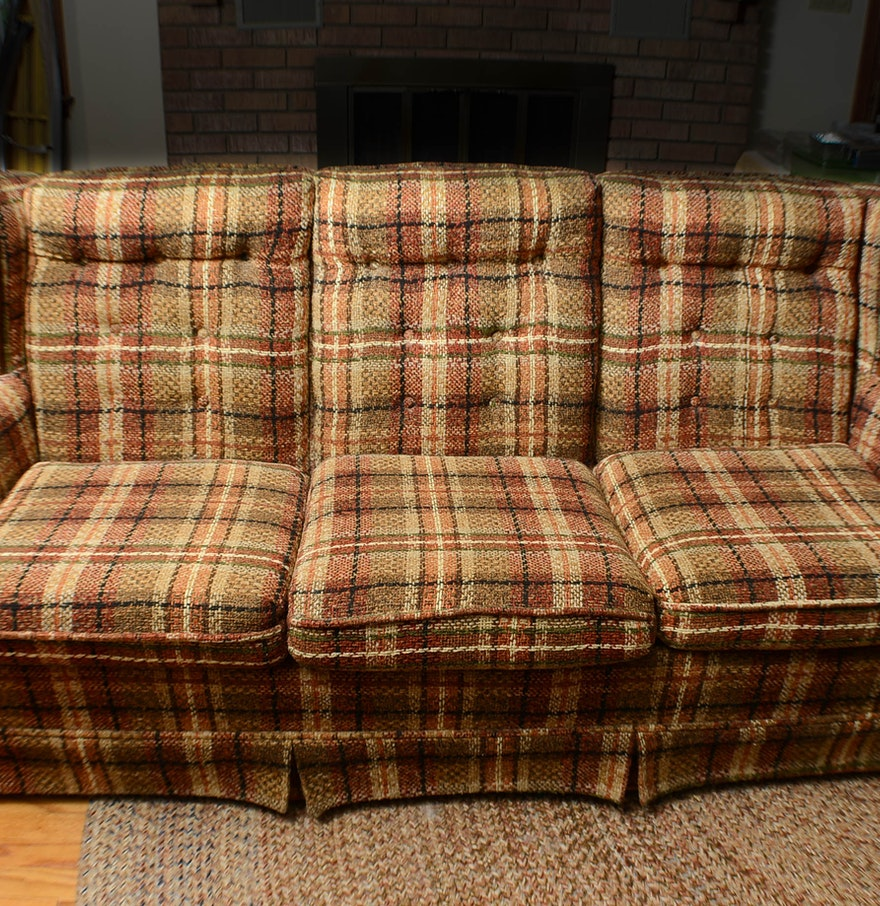 Plaid country sofa ebth Country loveseat
