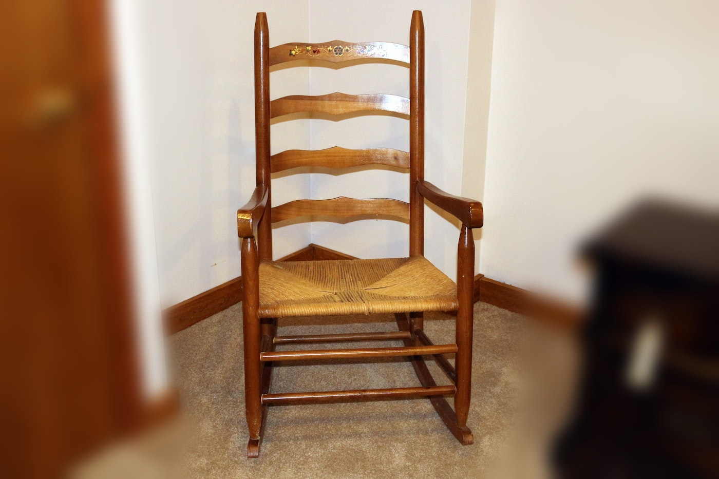 Hand-Painted Ladder Back Wooden Rocking Chair : EBTH
