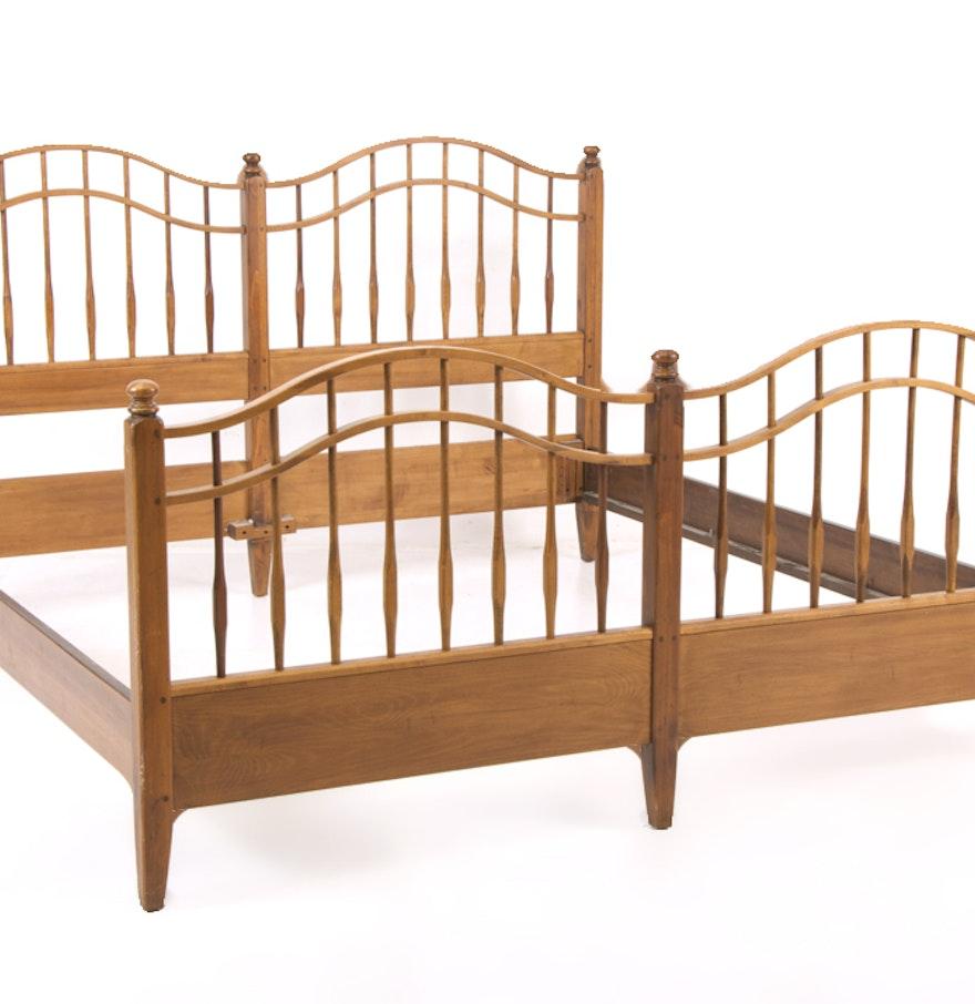 Ethan allen king maple bed frame ebth for Ethan allen king size beds