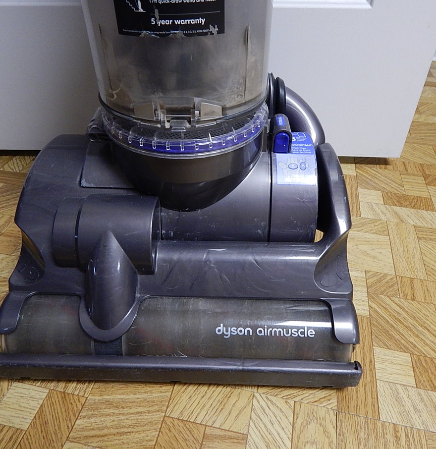dyson dc 28 air muscle vacuum sweeper ebth. Black Bedroom Furniture Sets. Home Design Ideas