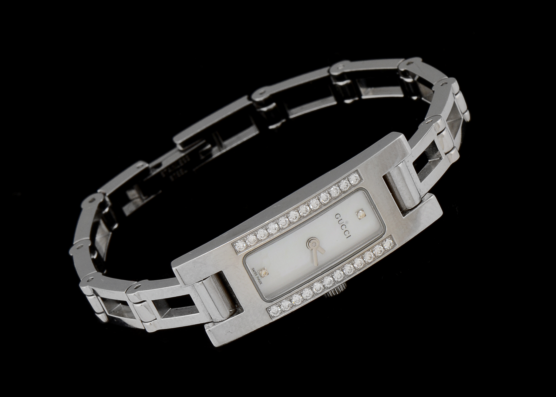 gucci 3900l. women\u0027s gucci 3900l stainless steel and diamond watch 3900l