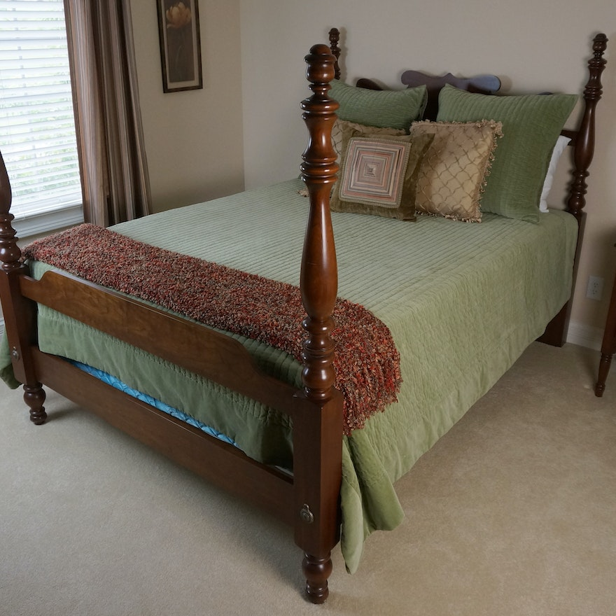 Thomasville Queen Size Four Post Bed Frame : EBTH