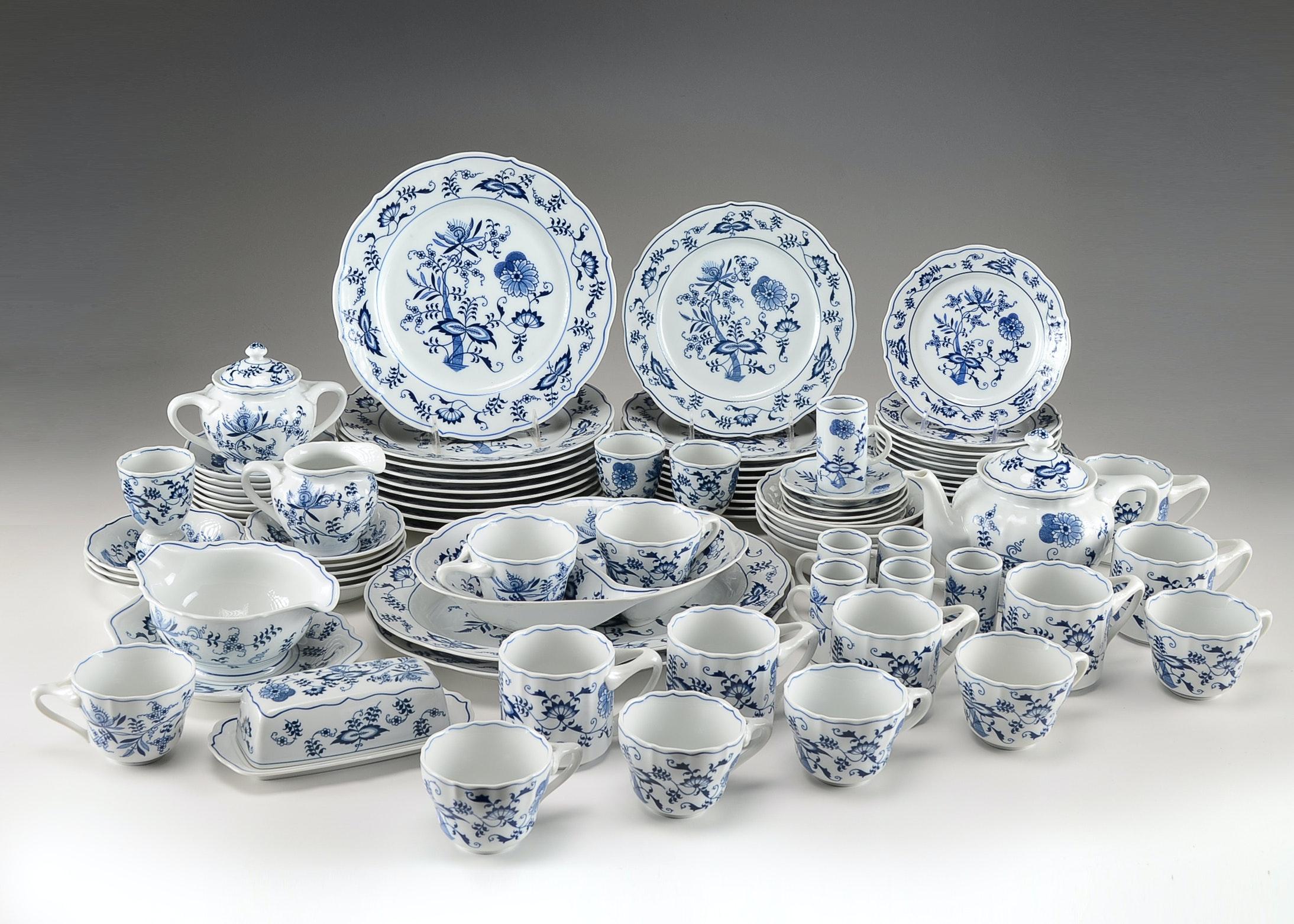 Blue Danube Blue Onion China Set ... & Blue Danube Blue Onion China Set : EBTH