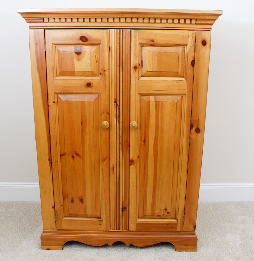 Knotty Pine Entertainment Center By Hooker Furniture Co Ebth