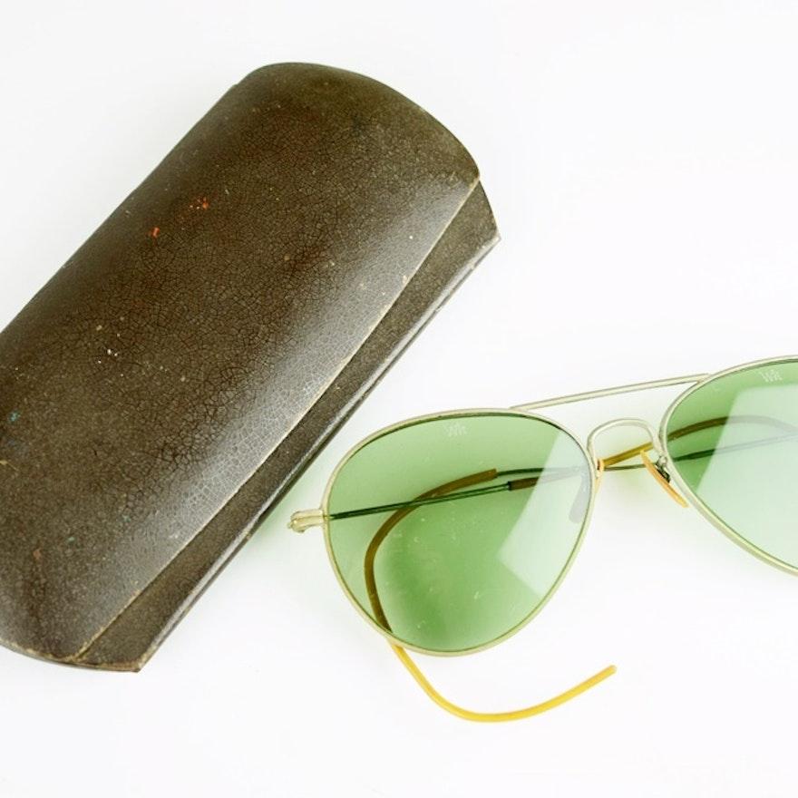778a23fb13167 Vintage Aviator Sunglasses in Original Metal Case   EBTH