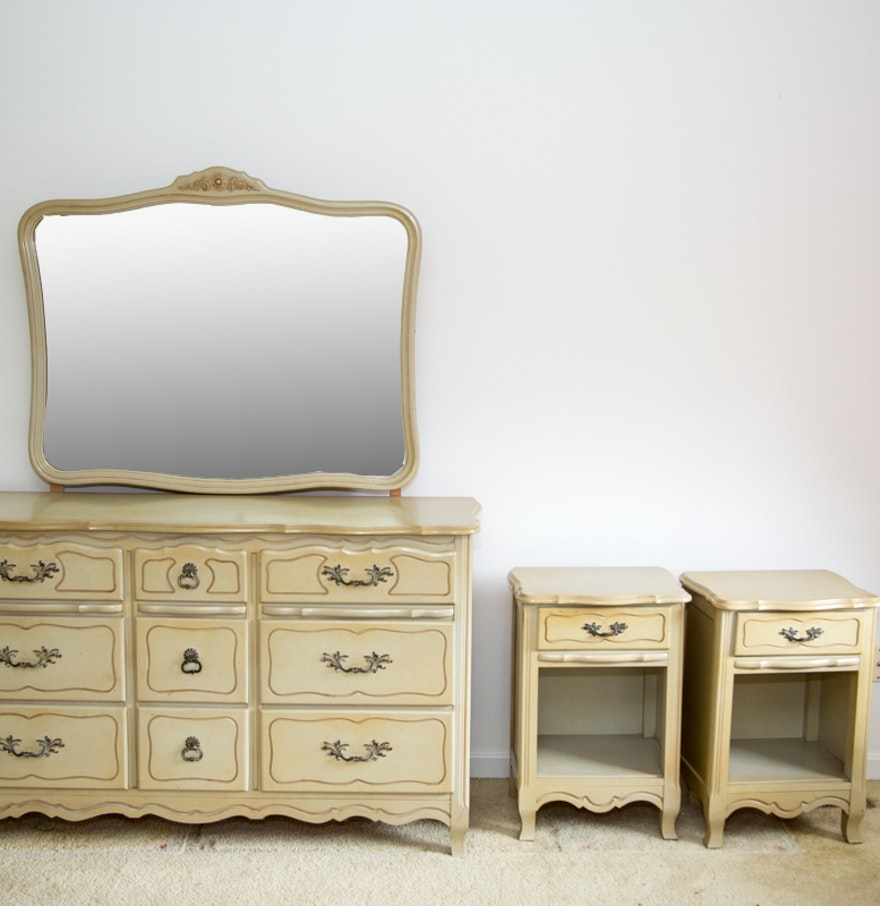 Provincial Bedroom Furniture Vintage French Provincial Bedroom Furniture Set Ebth