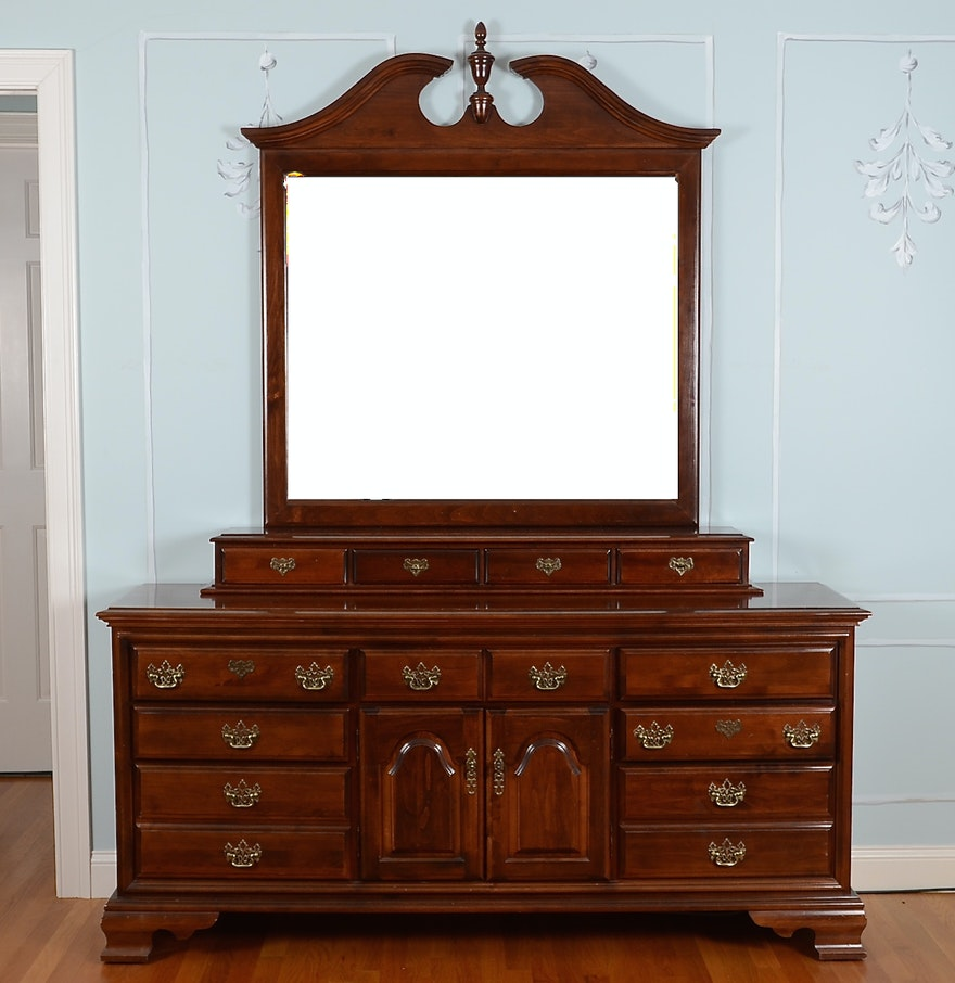Ethan allen crib for sale - Ethan Allen Georgian Court Triple Dresser And Mirror