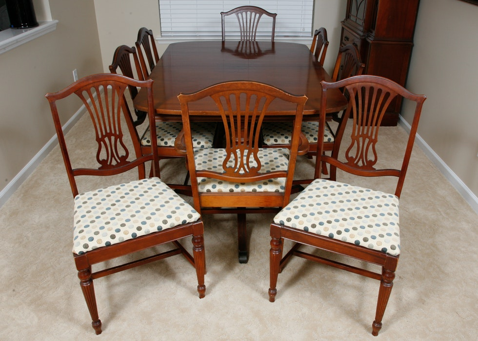Vintage Thomasville Duncan Phyfe Style Dining Table And Chairs