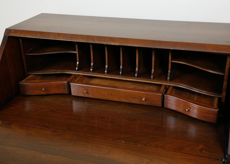 vintage willett slant front secretary desk ebth. Black Bedroom Furniture Sets. Home Design Ideas