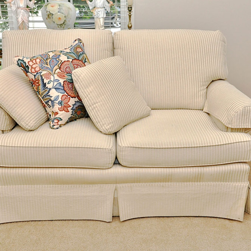 Contemporary Love Seat By Jetton