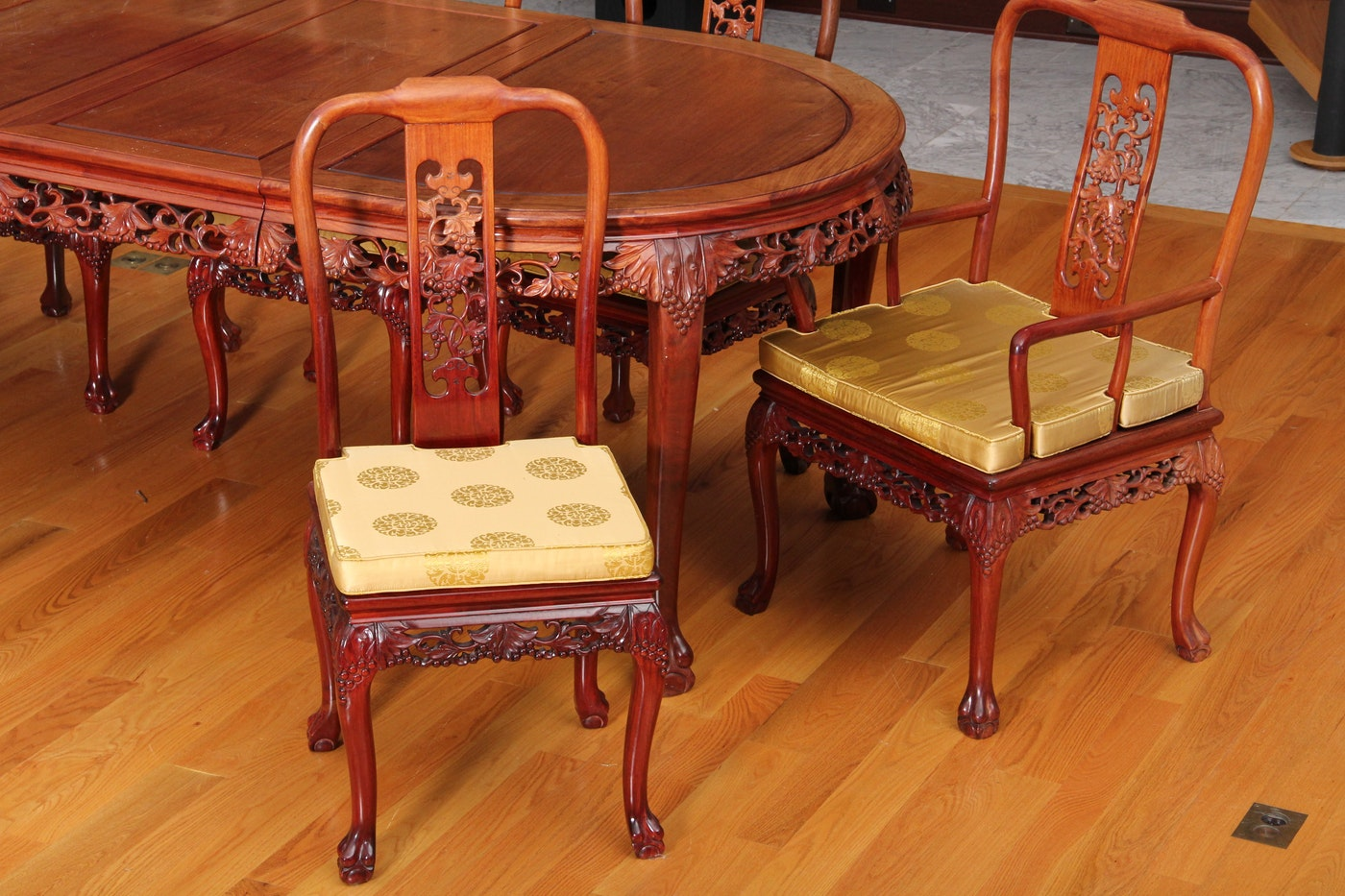 Carved chinese rosewood dining table and chairs ebth for Oriental dining table and chairs