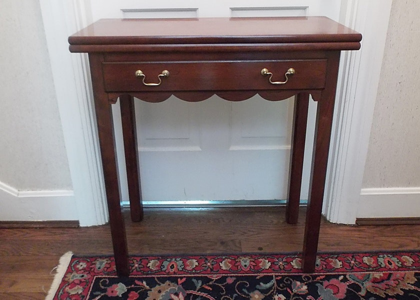 Adams County Collection Swing Leg Side Table ...