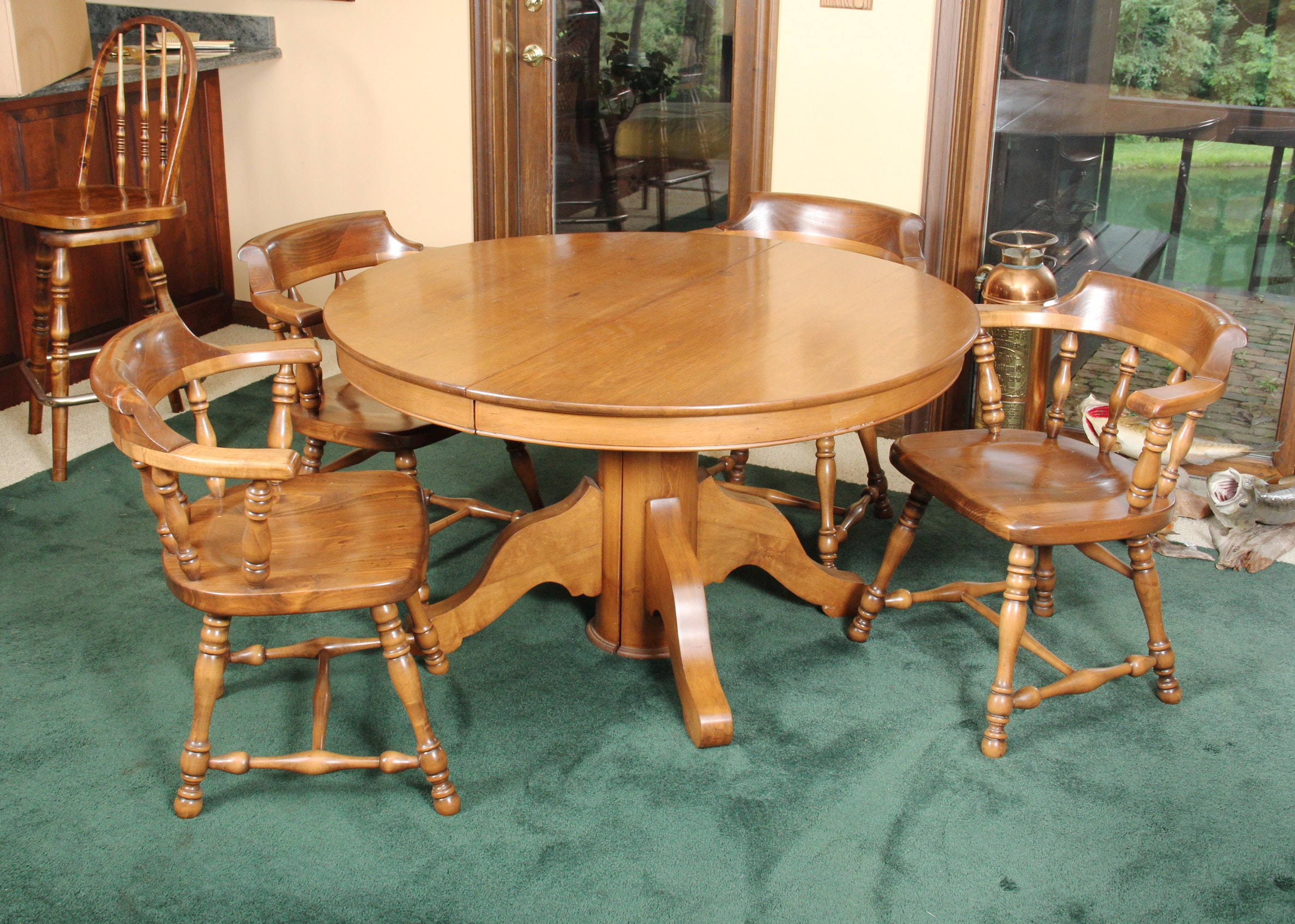 round maple dining table and chairs : ebth