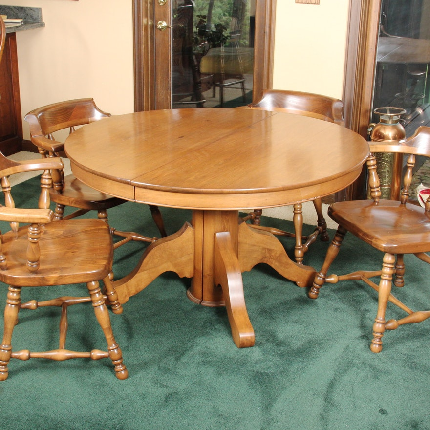 round maple dining table and chairs ebth. Black Bedroom Furniture Sets. Home Design Ideas