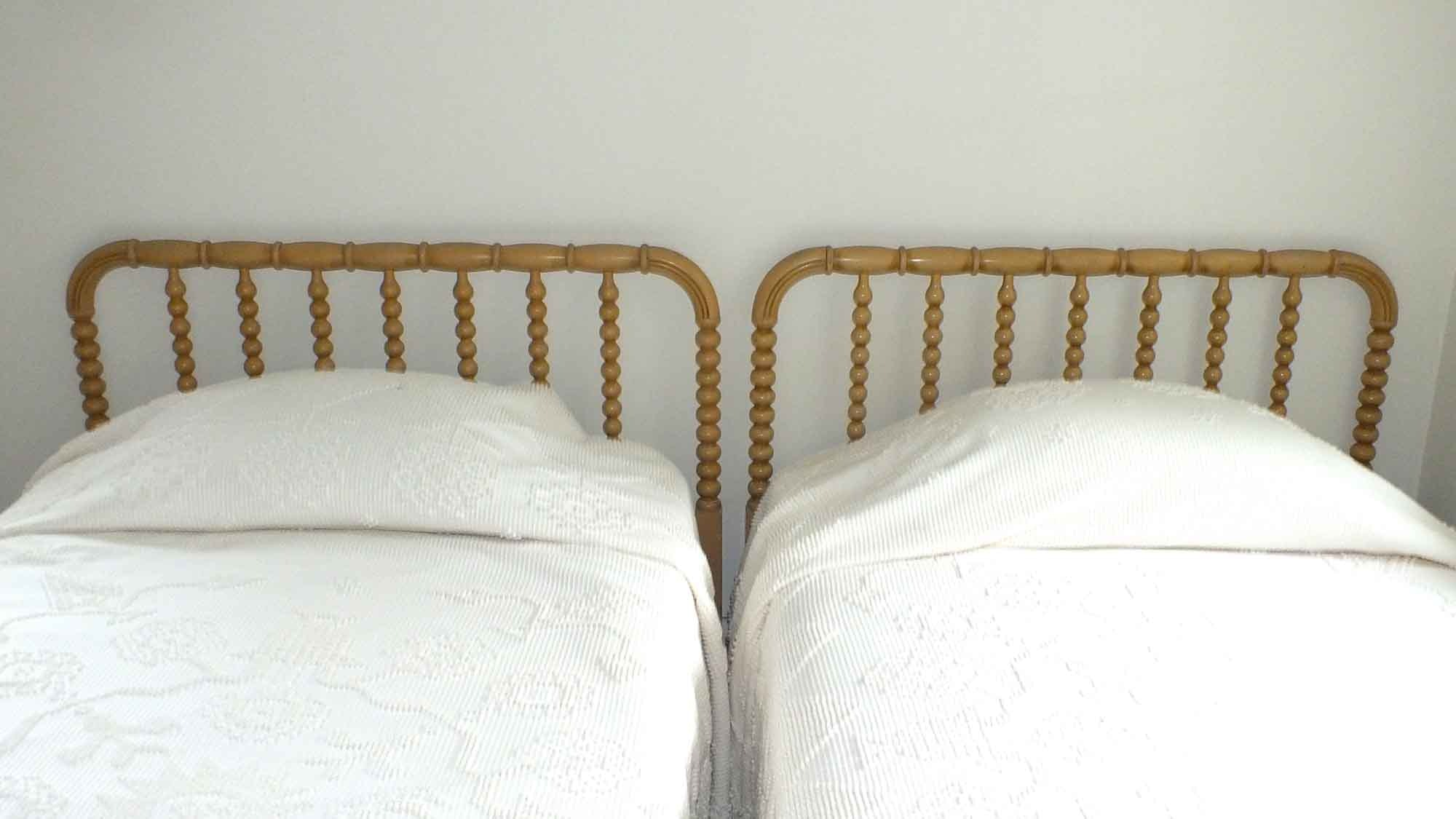 pair of twin beds with jenny lind headboards - Jenny Lind Twin Bed