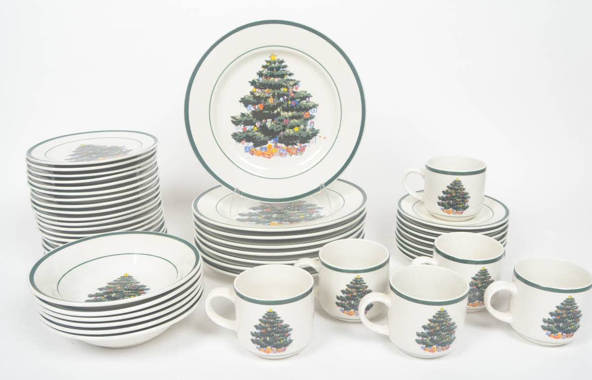 Collection of Totally Today Christmas Dishes ...  sc 1 st  EBTH.com & Collection of Totally Today Christmas Dishes : EBTH