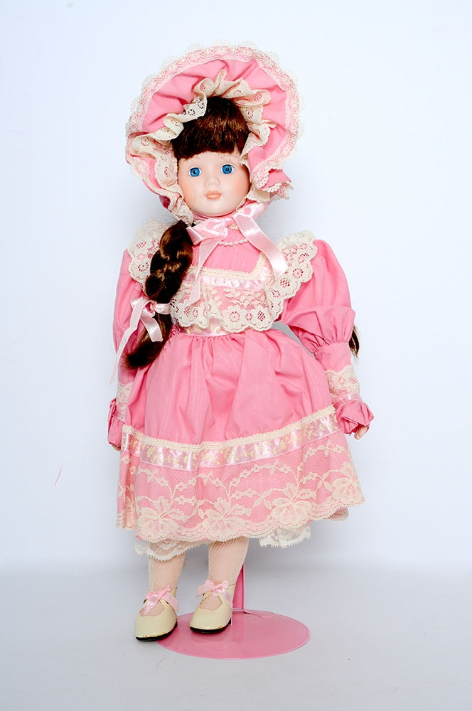 Princess house katerina porcelain doll ebth for Princess housse