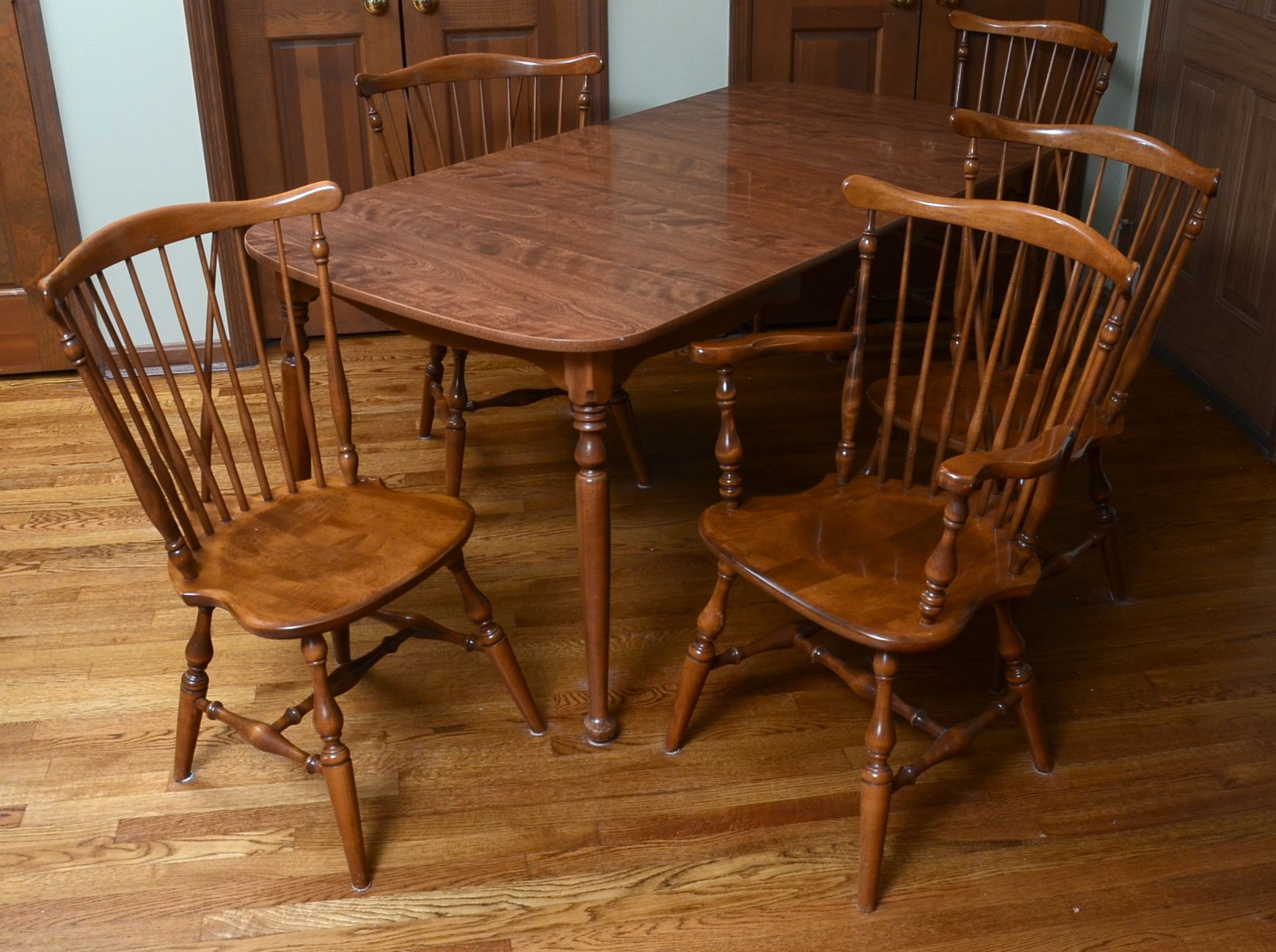 Ethan Allen Dining Table and ChairsEBTH