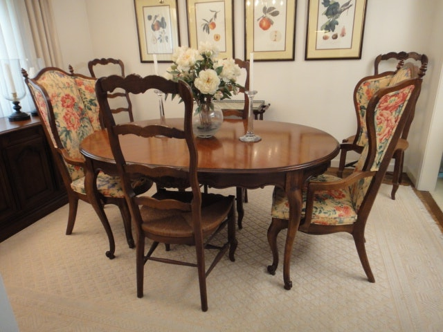 Drexel French In The Country Manor Dining Table And Six Chairs EBTH