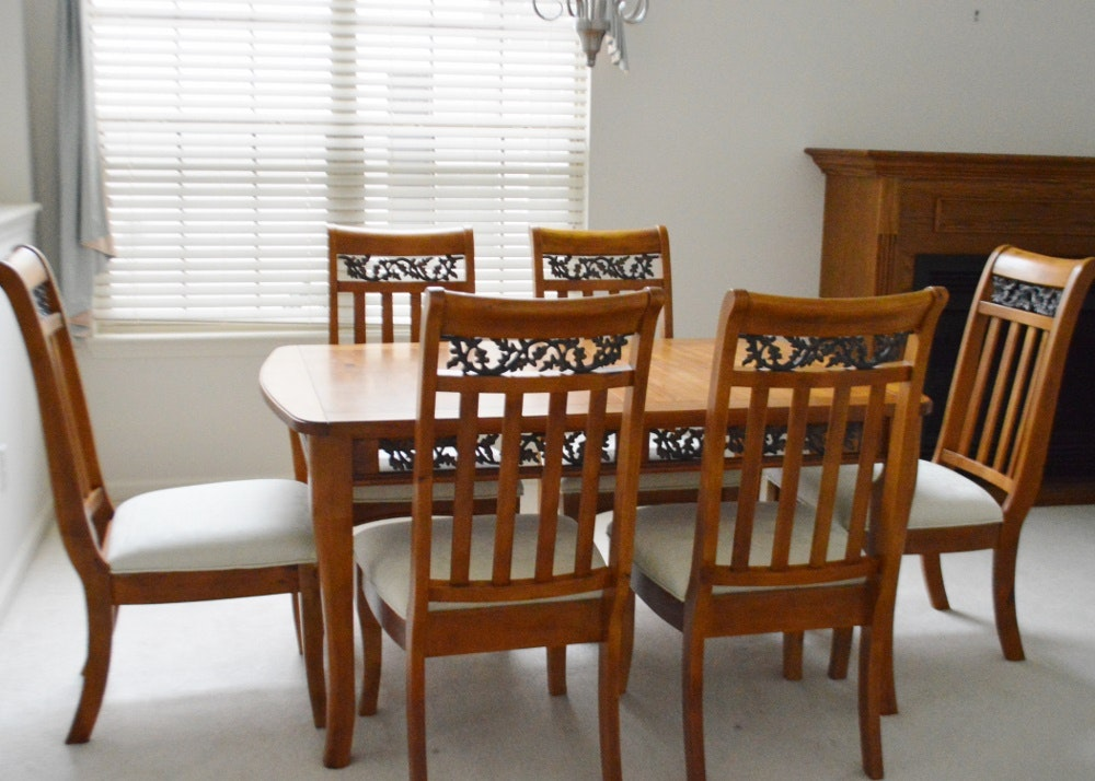 Leefu Dining Table And Chairs