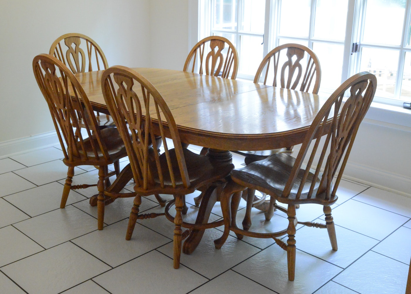 richardson brothers oak dining table and chairs