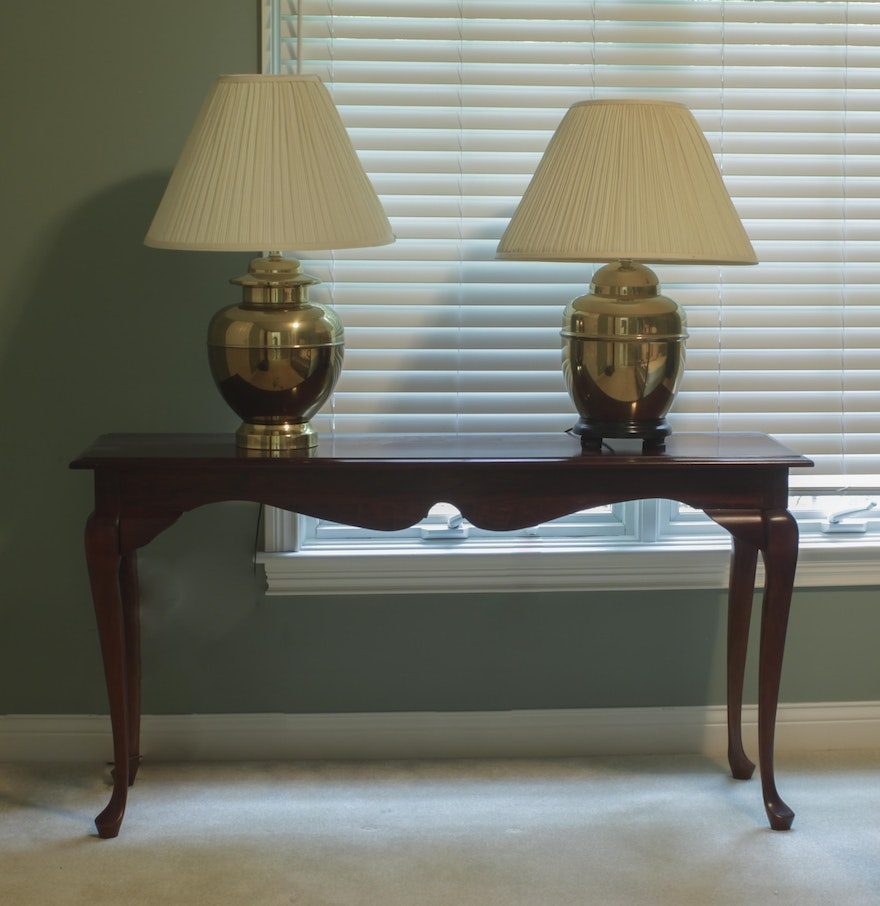 Queen anne style mahogany side table with lamps ebth queen anne style mahogany side table with lamps geotapseo Image collections