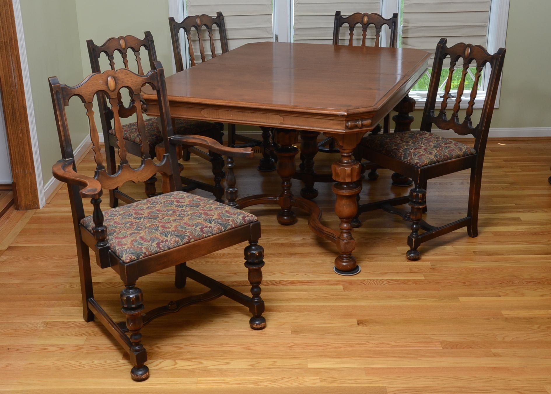 Delicieux Jacobean Style Dining Room Table And Chairs ...