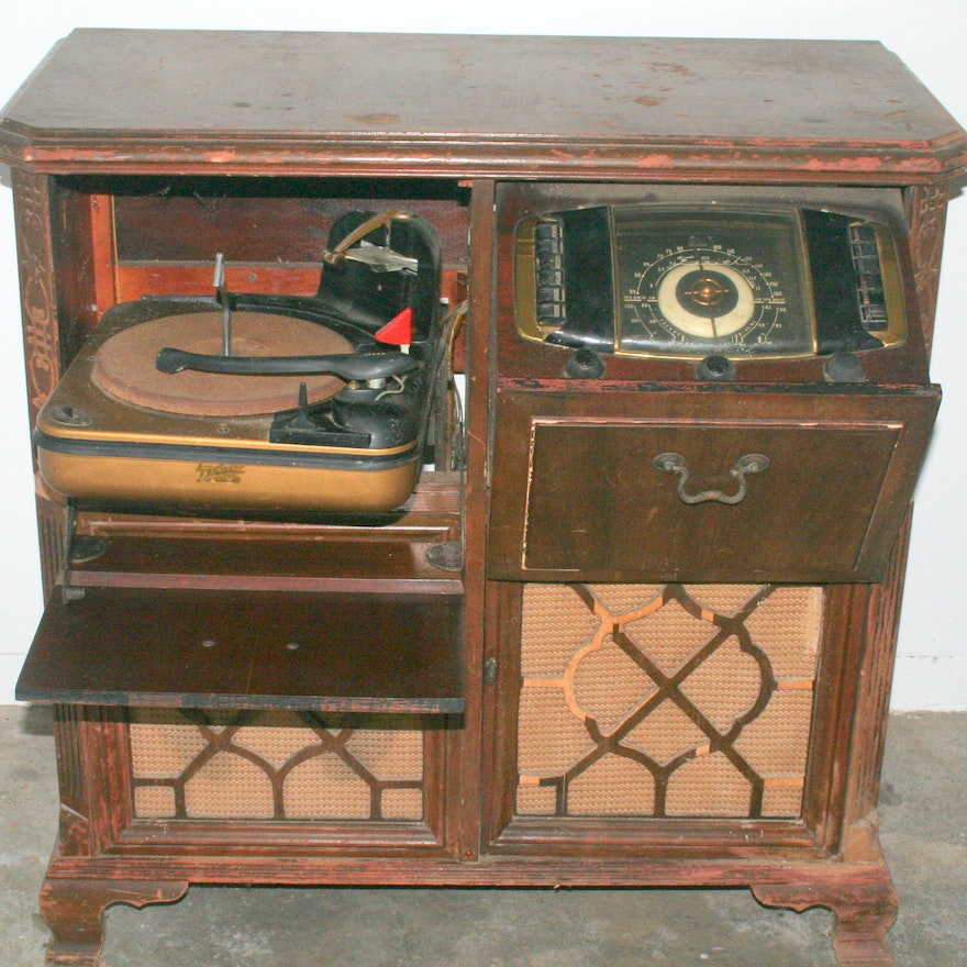 Vintage Zenith Console Radio and Phonograph
