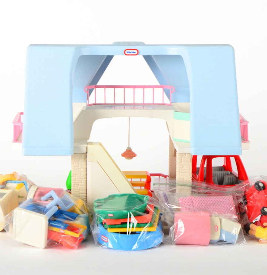 Little Tikes Bedroom Furniture Large Little Tikes Blue Roof A Frame Dollhouse With Furniture Ebth