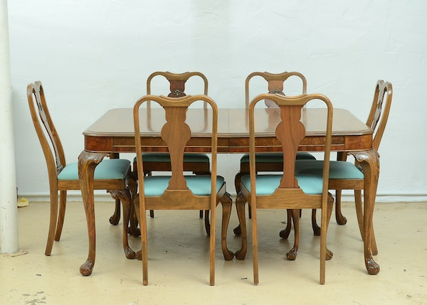 Queen Ann Dining Table And Chairs EBTH